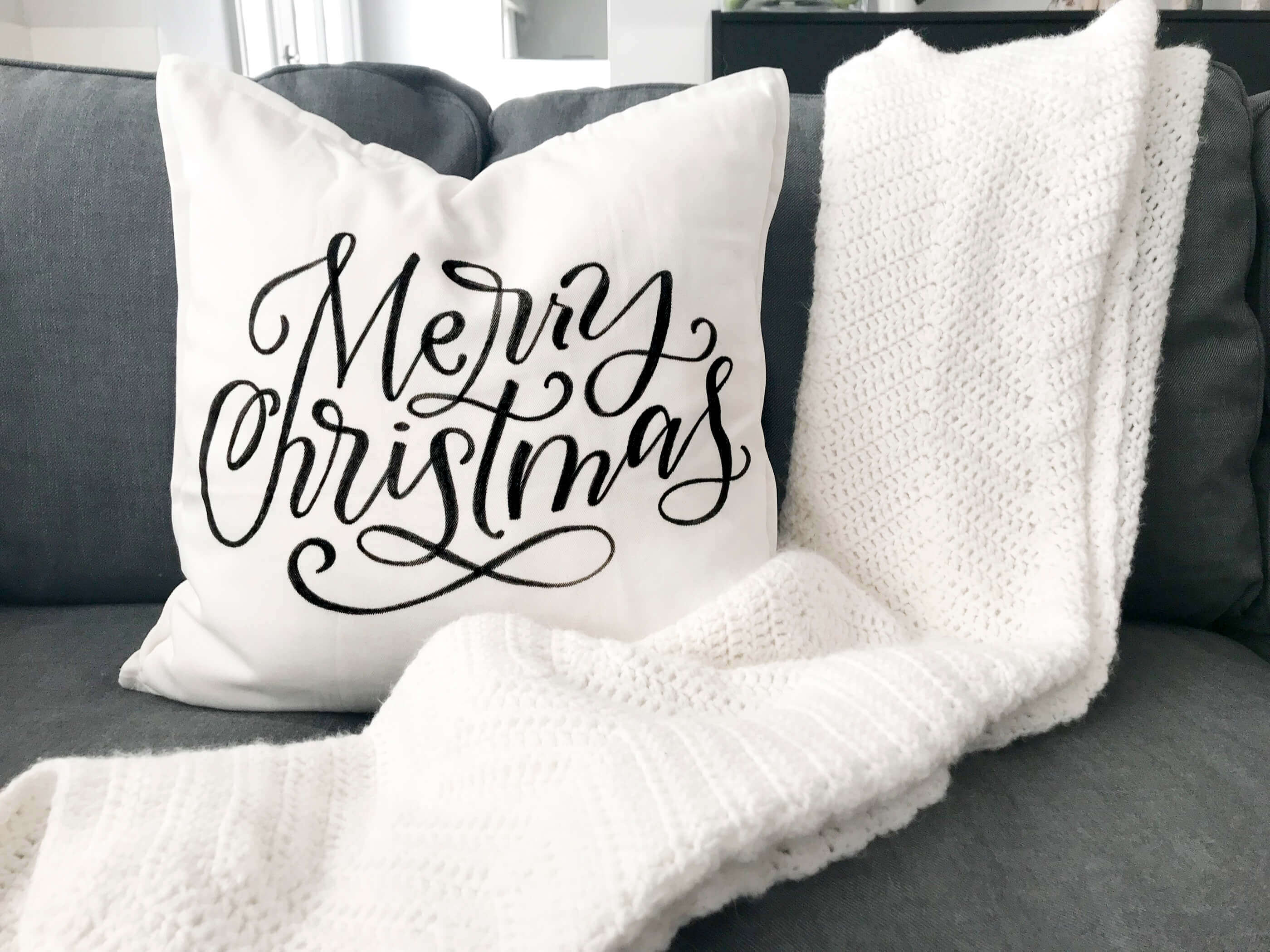 diy hand lettered christmas throw pillows with four free printable